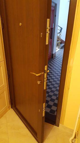 Három zárbetétes Nívó ajtóban zárcsere